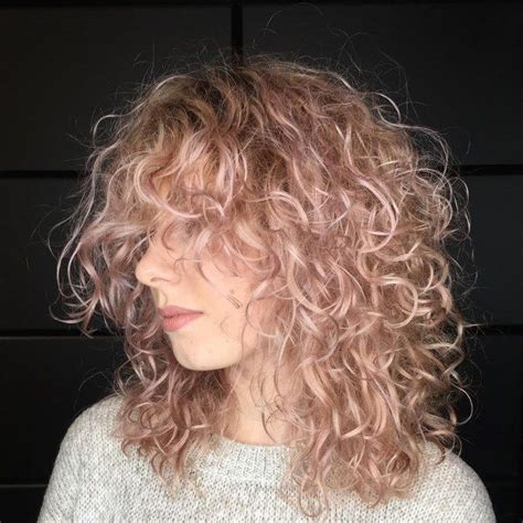 Medium Layered Hairstyle for Fine Curly Hair | Curly hair